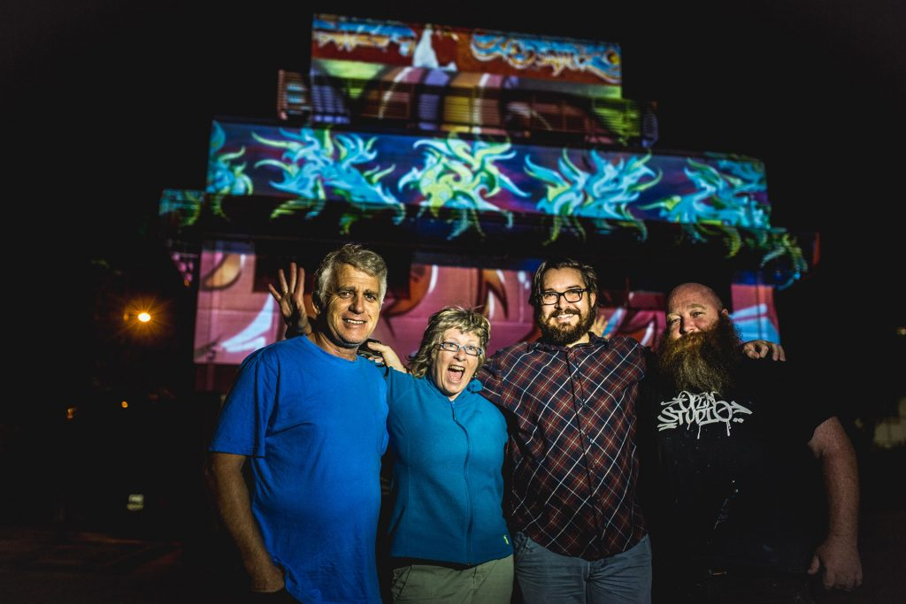 SWIFF LIGHTBOX ARTISTS